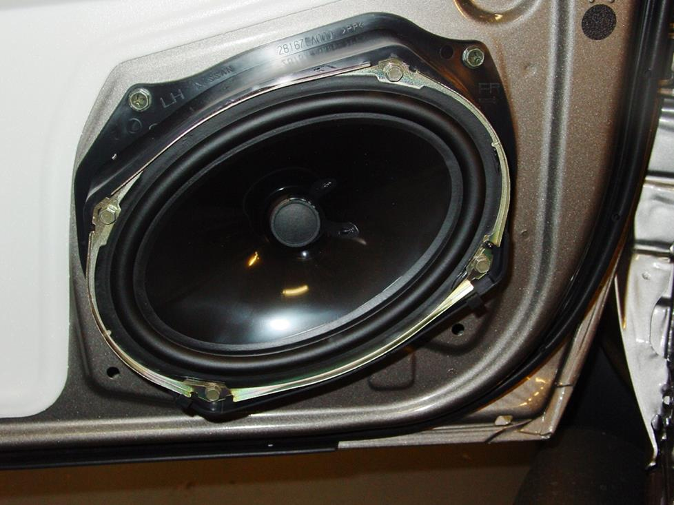 Front speaker in the Nissan Xterra