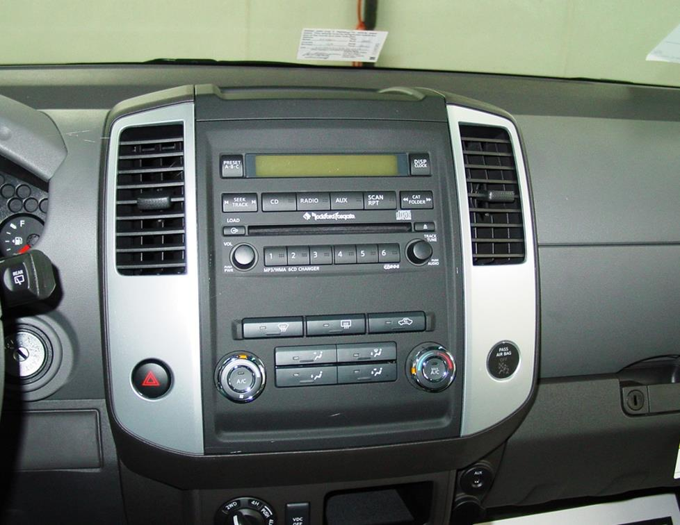 Stereo integrated into the nissan xterra dash (Crutchfield Research Photo)