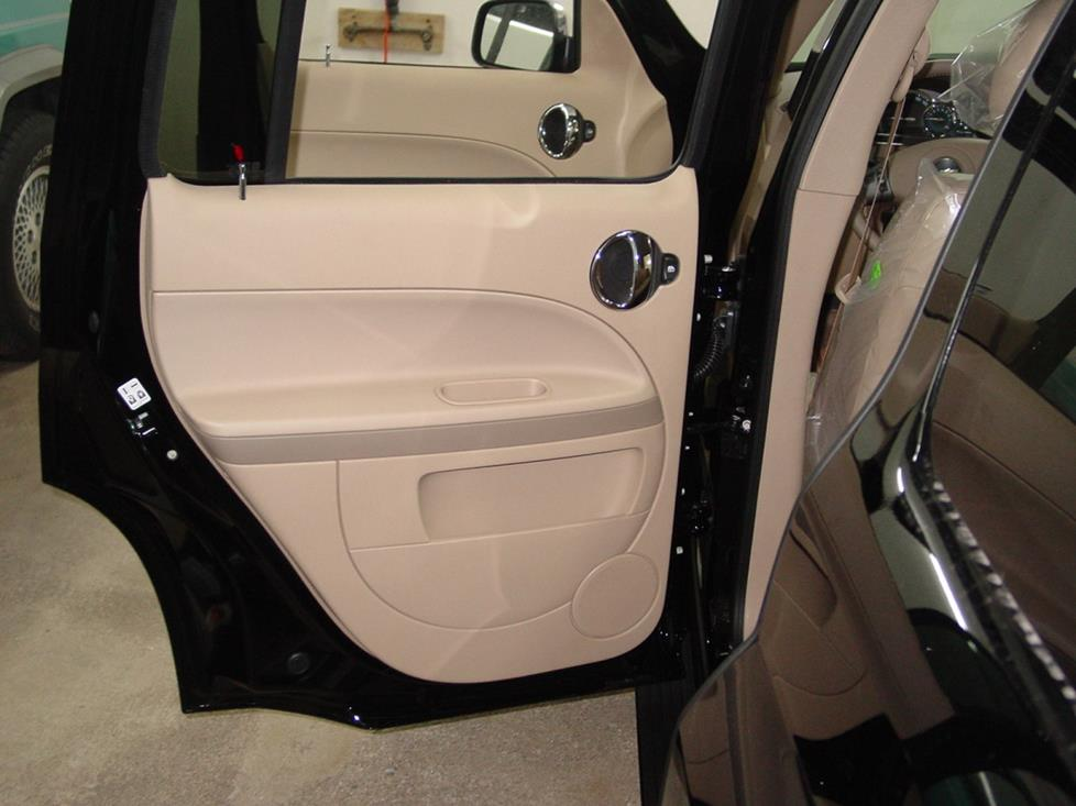 the hhr wagon's rear door