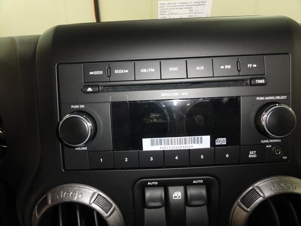 2011 2014 Jeep Wrangler and Wrangler Unlimited Car Audio