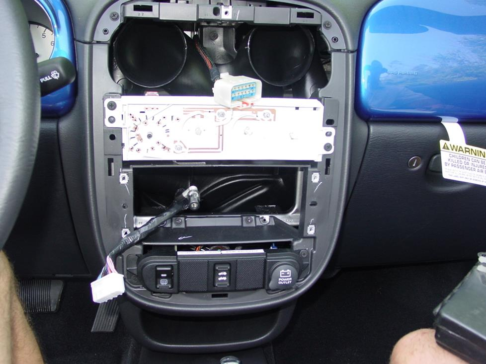 2001-2005 Chrysler PT Cruiser Car Audio Profile