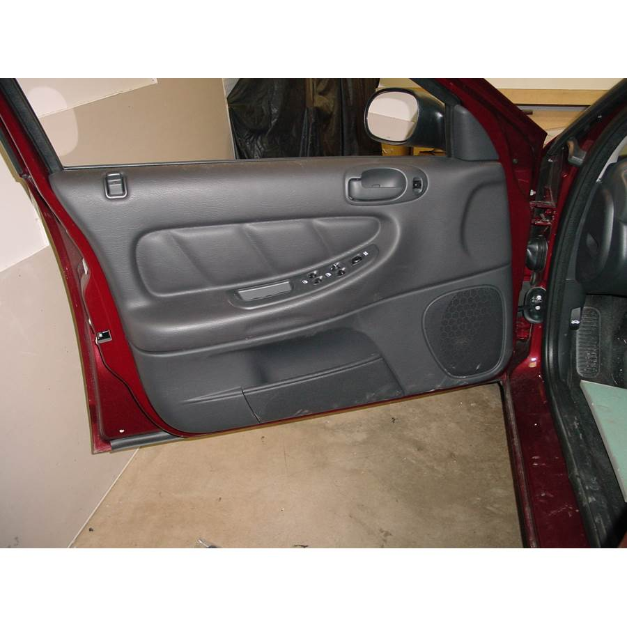 2004 Dodge Stratus Front door speaker location