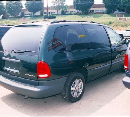 1999 Chrysler Town and Country Exterior