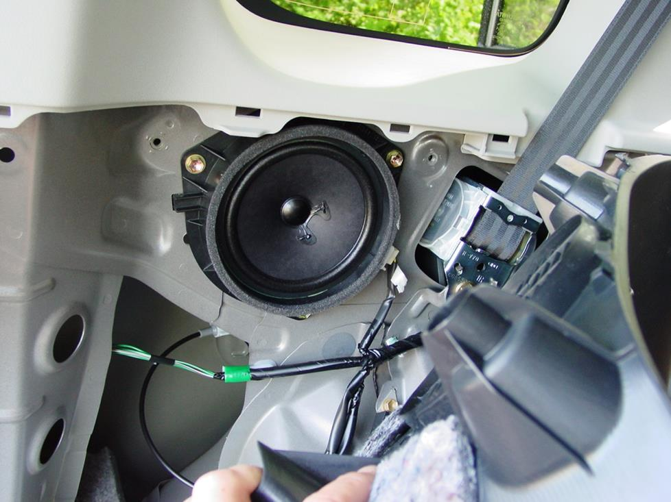 rearsidespeaker how to install new audio gear in your 2004 2006 scion xb 2005 scion xb wiring diagram at alyssarenee.co