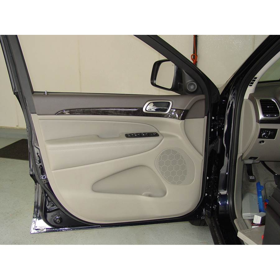 2012 Jeep Grand Cherokee Front door speaker location