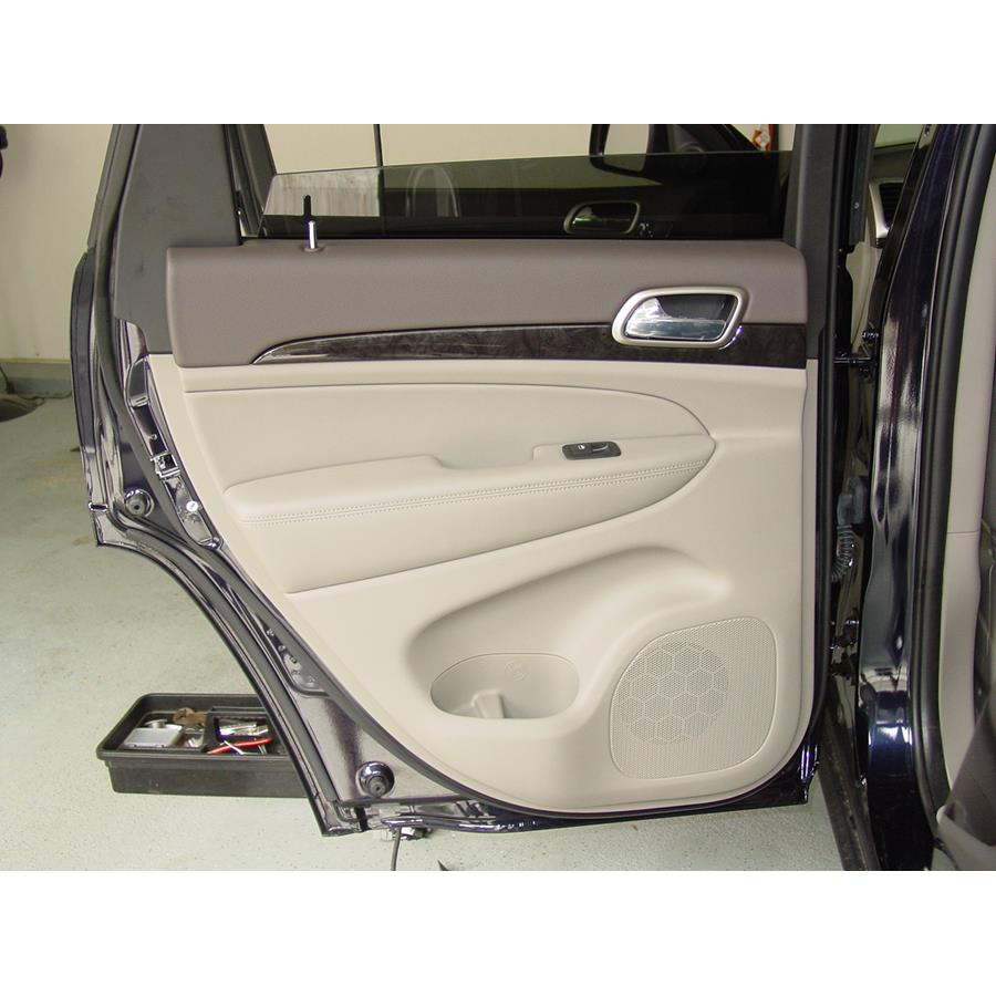 2016 Jeep Grand Cherokee Rear door speaker location