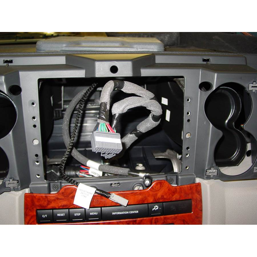 2006 Jeep Commander Factory radio removed