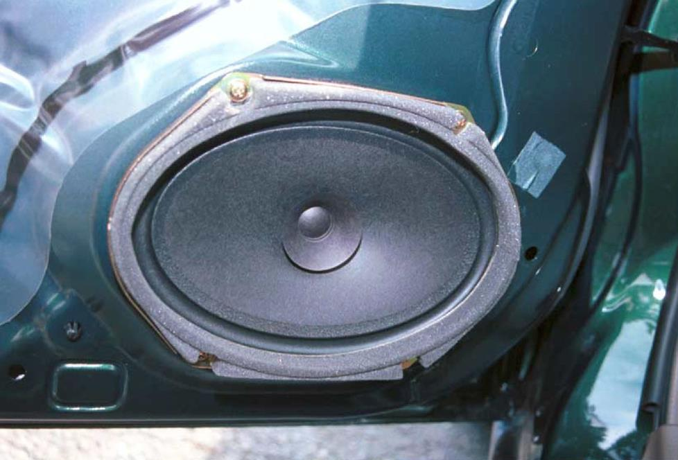 1999-2000 Mazda Protege car audio profile