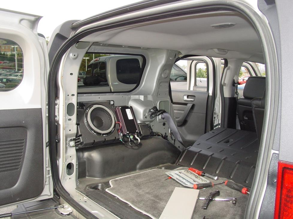 sub 2006 2010 hummer h3 car audio profile Military Surplus Hummer H1 at bayanpartner.co