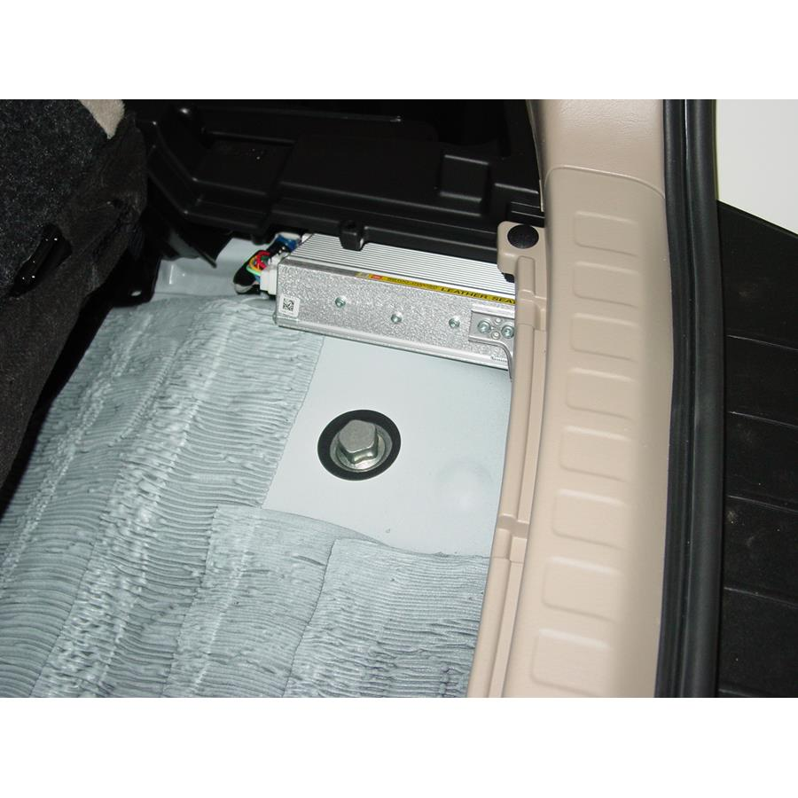 2007 Toyota Highlander Factory amplifier
