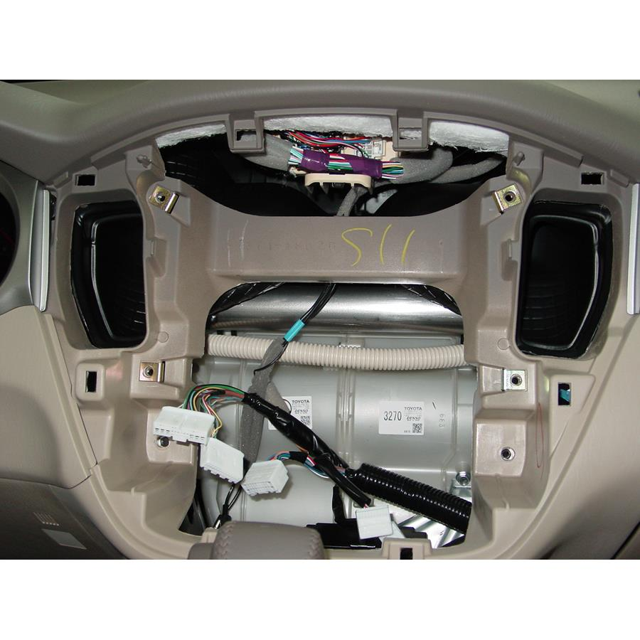 2007 Toyota Highlander Factory radio removed