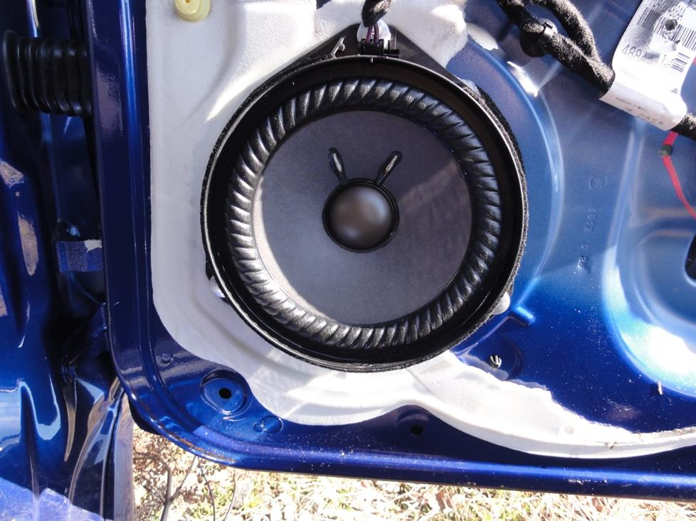 Fiat 500 front door speakers