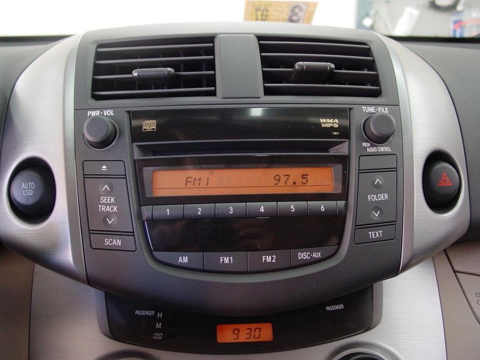 radio 2006 2012 toyota rav4 Toyota RAV4 Engine Diagram at nearapp.co