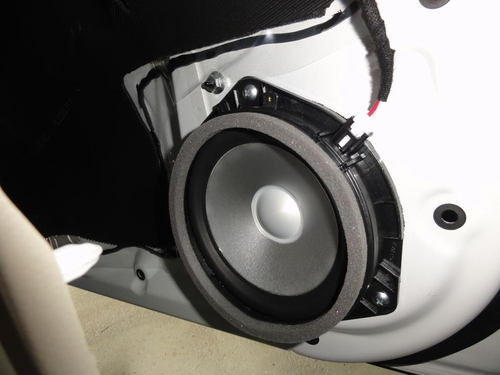 2010-2014 Subaru Outback Car Audio Profile