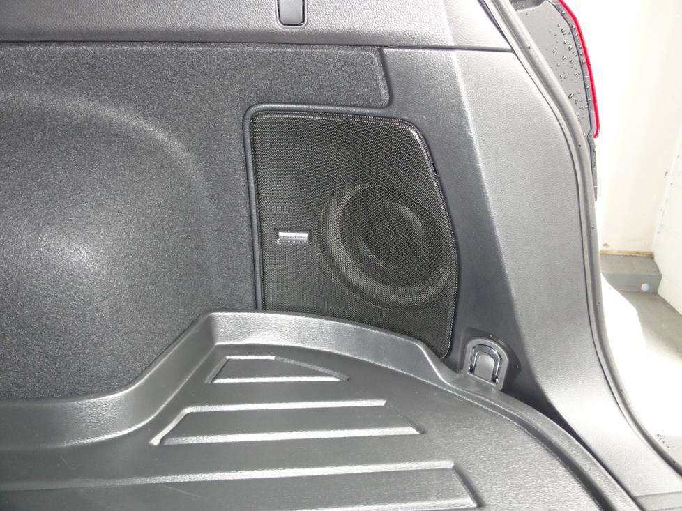 sub 2010 2014 subaru outback car audio profile  at alyssarenee.co