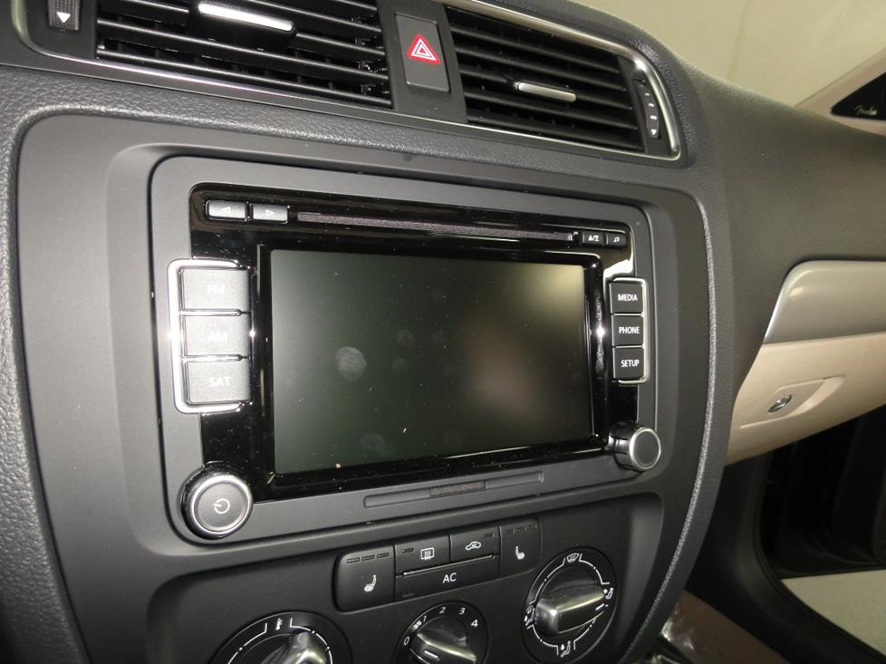 20112016 Volkswagen    Jetta    Sedan Car Audio Profile