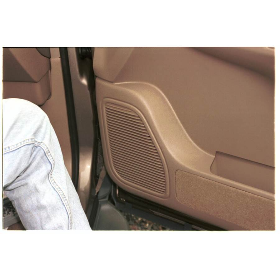 1999 Toyota Sienna Front door speaker location