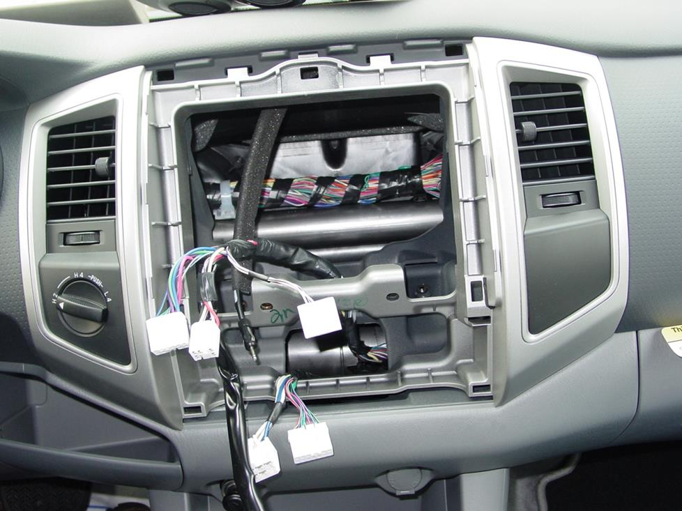 radiowiring 2005 2011 toyota tacoma double cab car audio profile  at alyssarenee.co