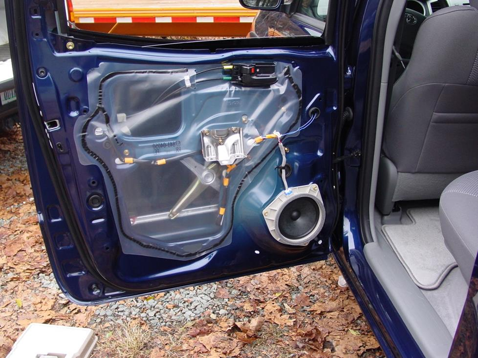 reardoorspeaker 2005 2011 toyota tacoma double cab car audio profile  at bayanpartner.co