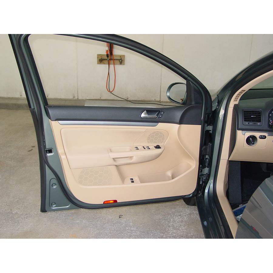 2008 Volkswagen Rabbit Front door speaker location