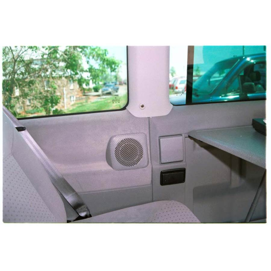 2001 Volkswagen Eurovan Rear side panel speaker location