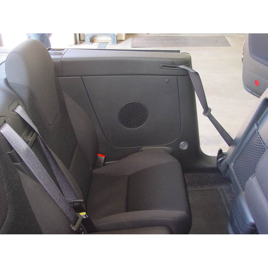 2007 Pontiac G6 Rear side panel speaker location