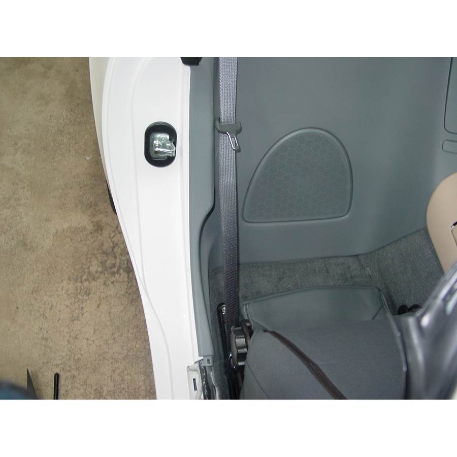 2009 Saturn Sky Rear cab speaker location