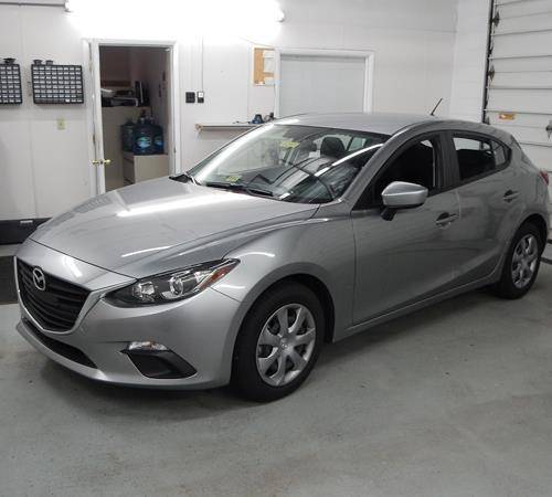 https://images.crutchfieldonline.com/ImageBank/v20150629131100/ImageHandler/centerandcrop/500/450/VehiclePix/2014/Mazda/3/Hatchback/exterior.JPG