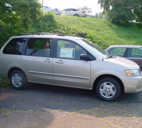 https://images.crutchfieldonline.com/ImageBank/v20150706181200/ImageHandler/centerandcrop/500/450/VehiclePix/2004/Mazda/MPV/Van/exterior.JPG