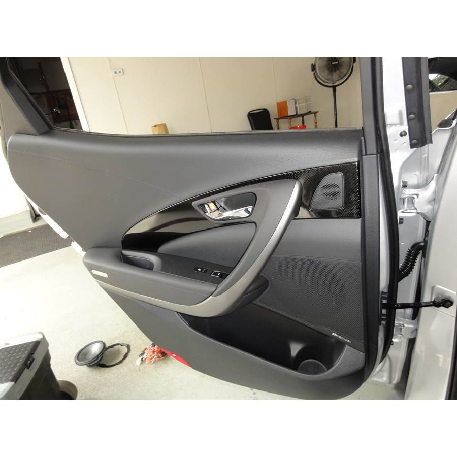 2017 Hyundai Azera Rear door speaker location