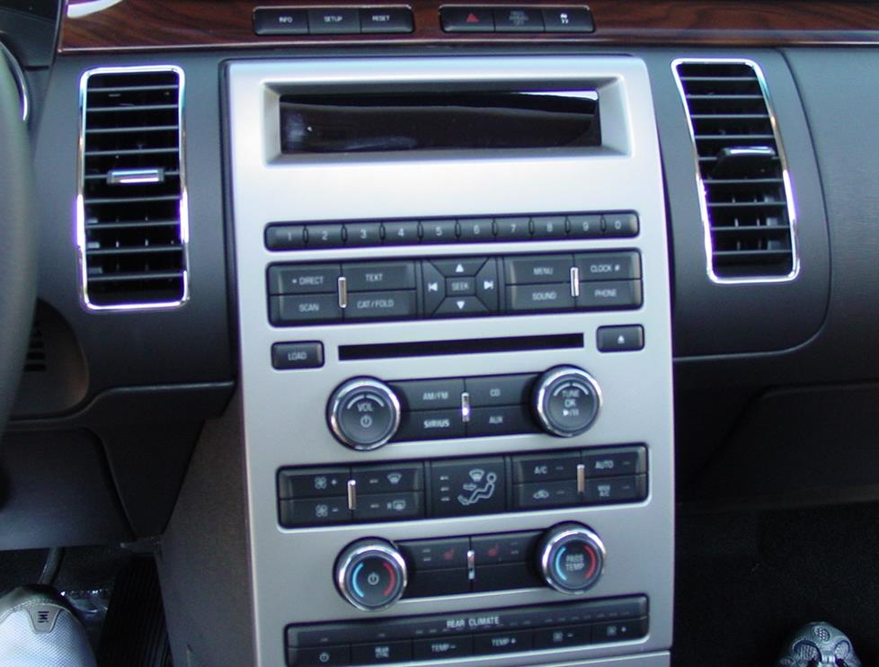 Ford Flex base radio