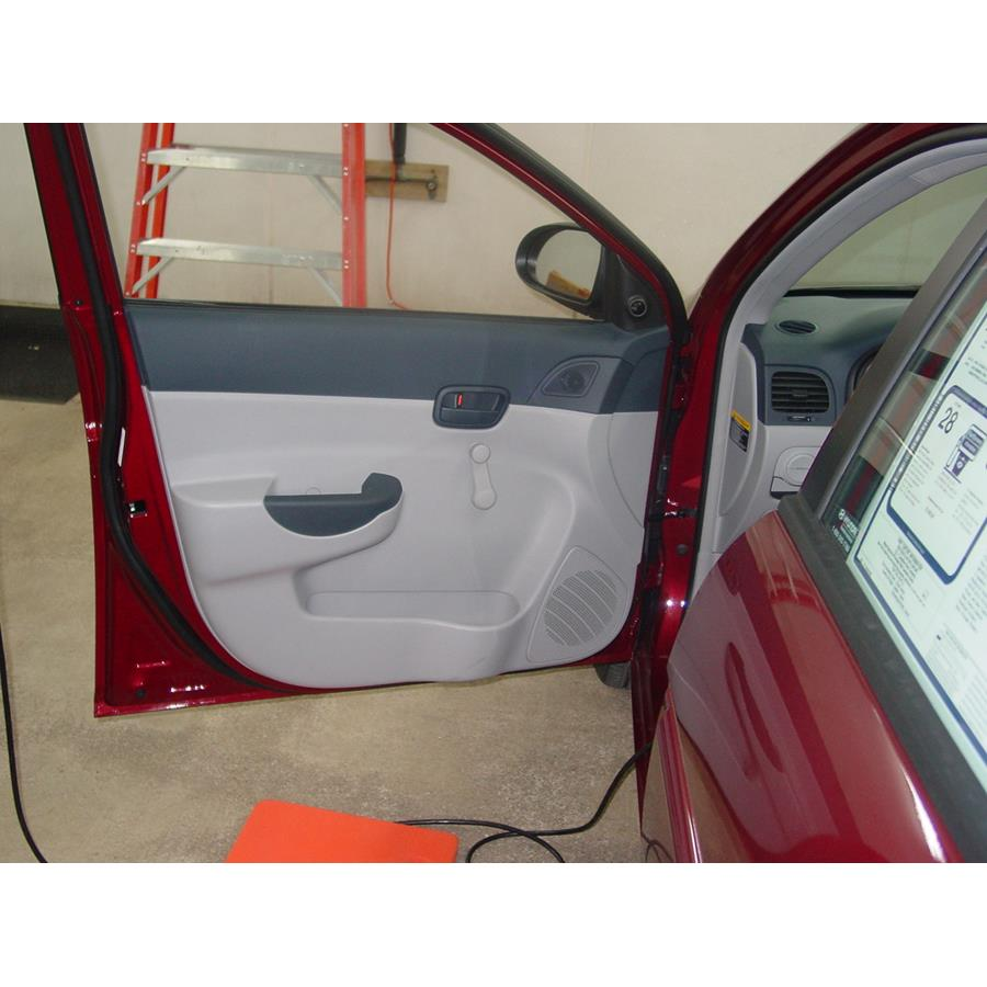 2006 Hyundai Accent Front door speaker location