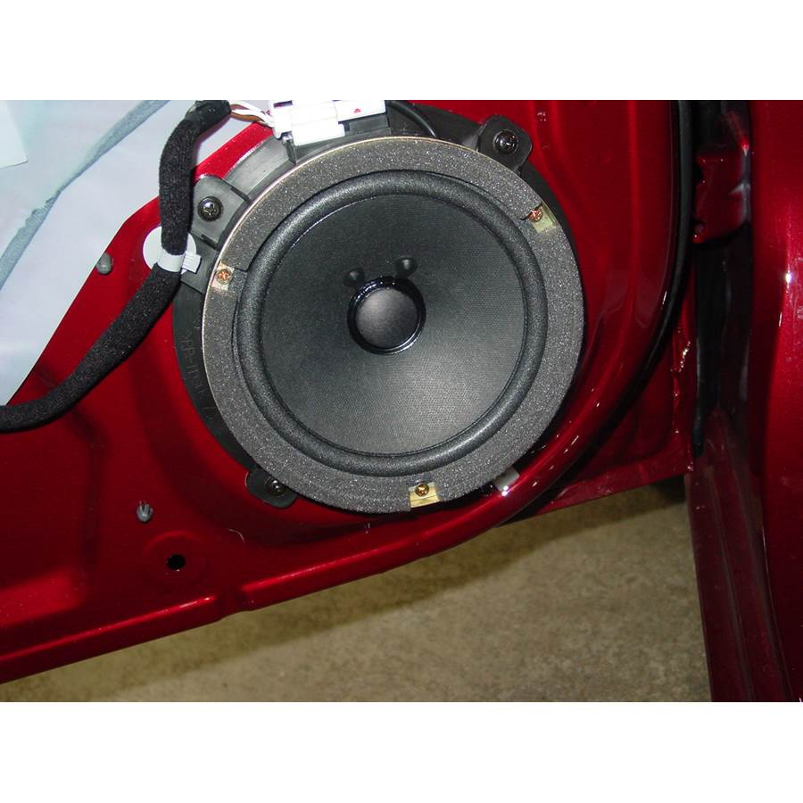 2006 Hyundai Accent Front door woofer