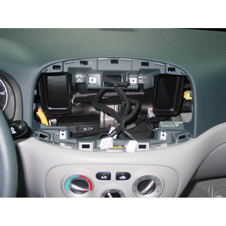 2006 Hyundai Accent Factory radio removed