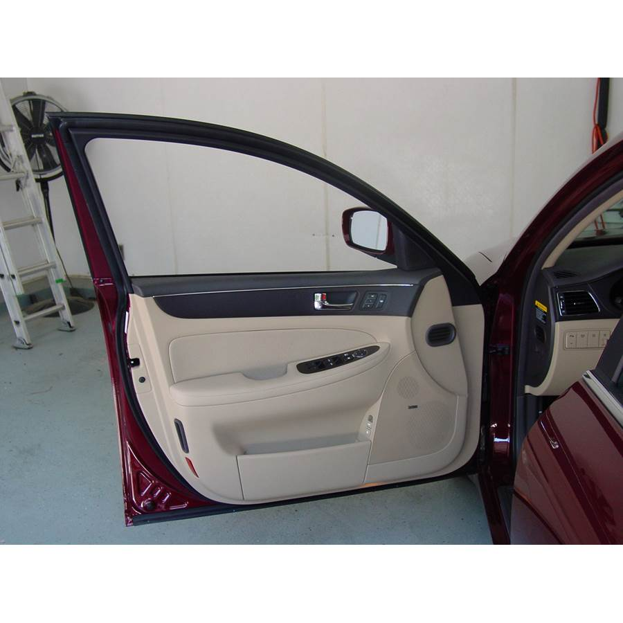 2012 Hyundai Genesis Front door speaker location