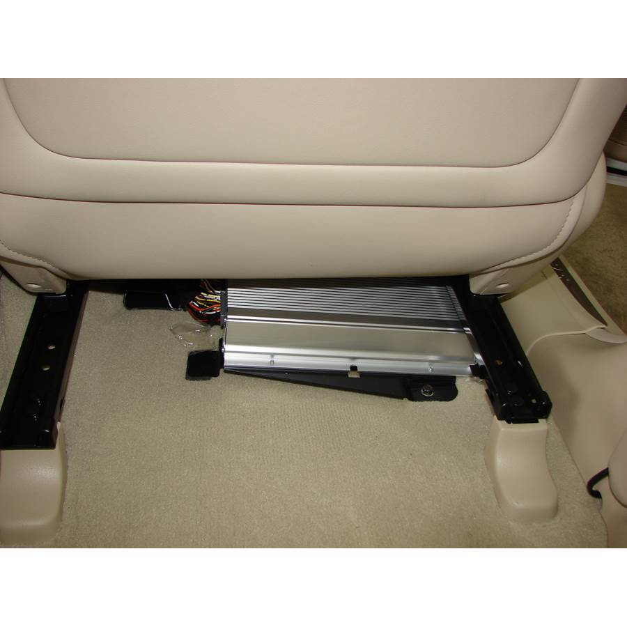 2008 Hyundai Santa Fe Factory amplifier