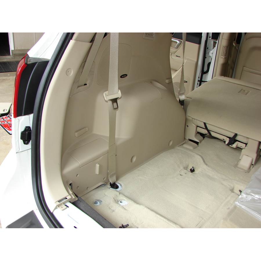 2008 Hyundai Santa Fe Far-rear side speaker location
