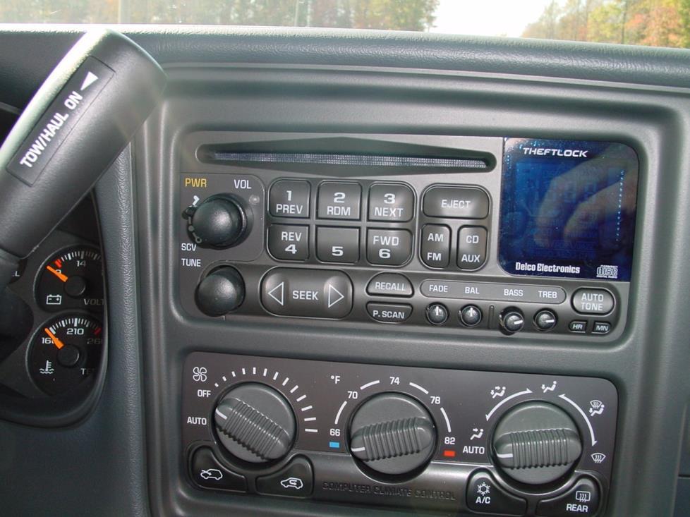 2002 Chevy Avalanche radio