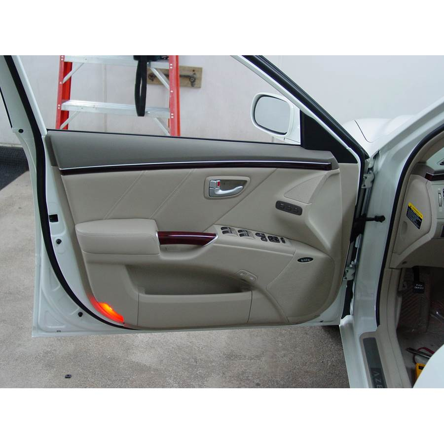 2011 Hyundai Azera Front door speaker location