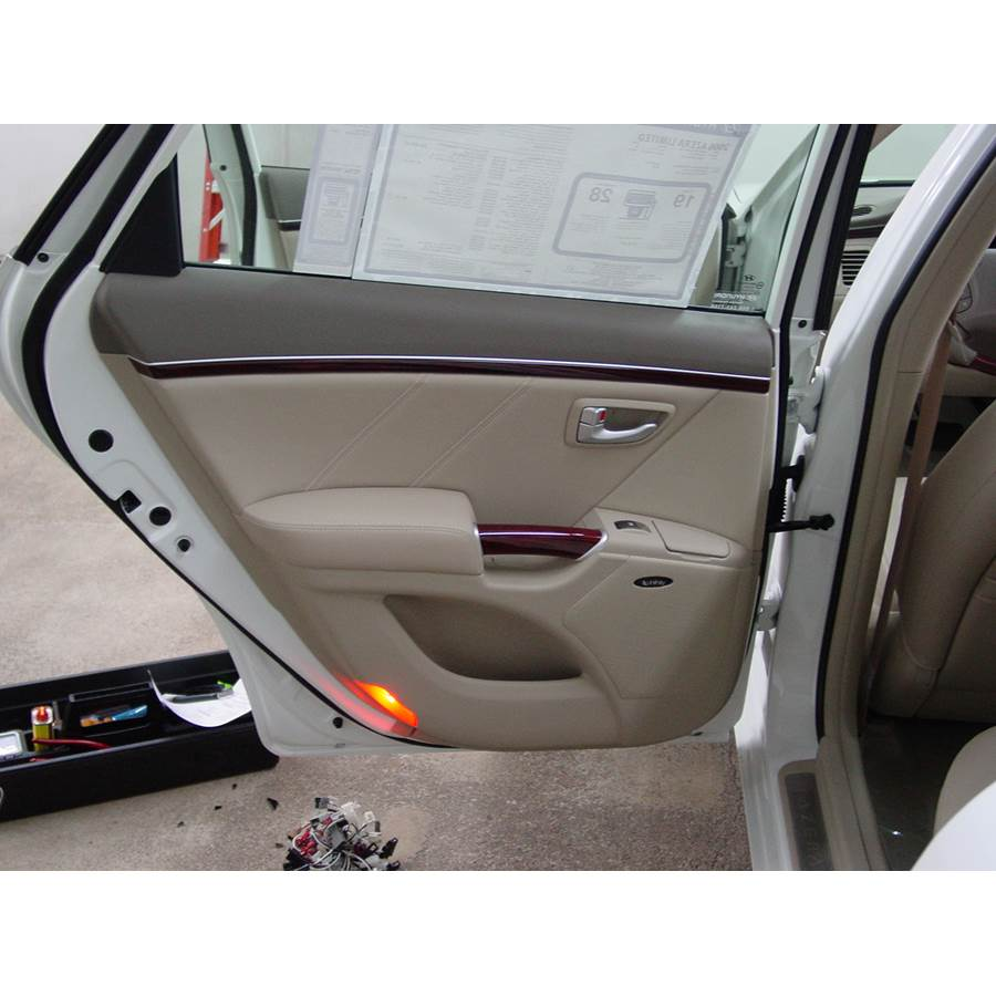 2011 Hyundai Azera Rear door speaker location