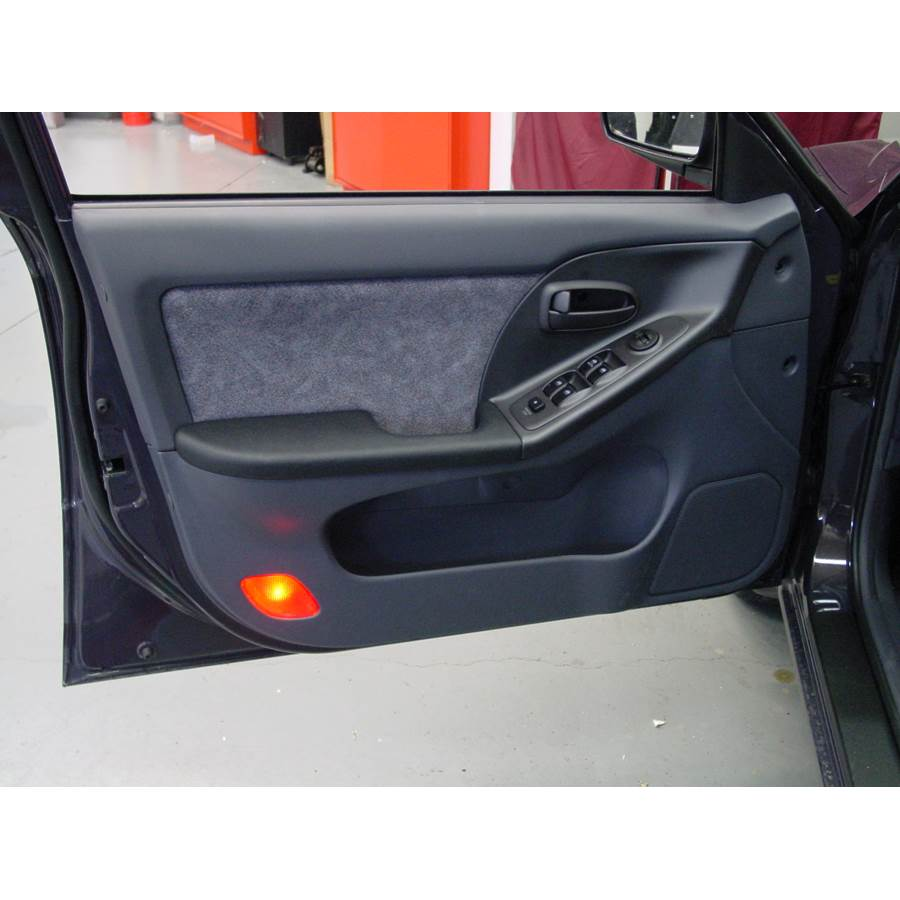 2001 Hyundai Elantra Front door speaker location
