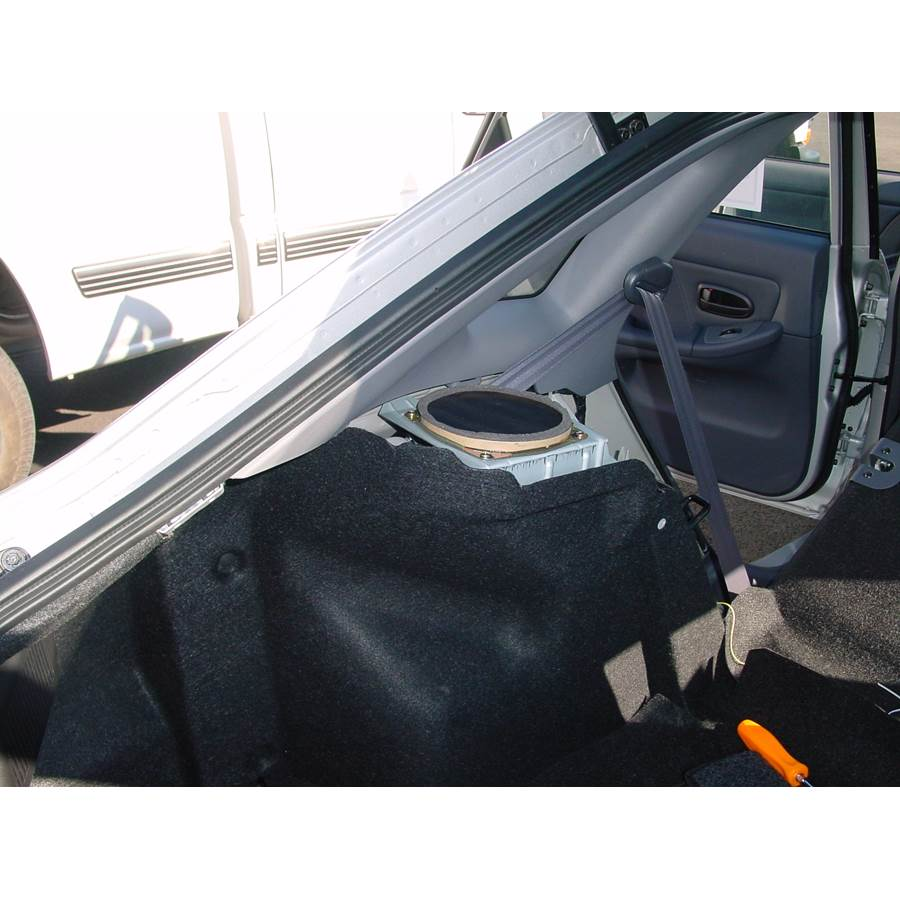 2001 Hyundai Elantra Side panel speaker