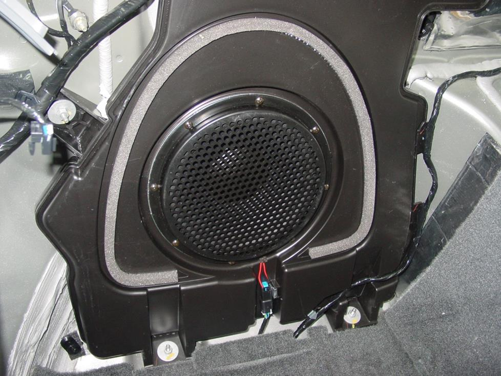 sub 2006 2009 pontiac solstice car audio profile  at gsmx.co