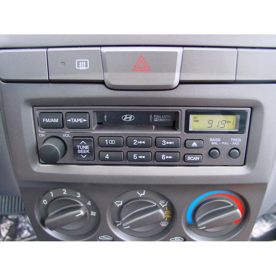 2005 Hyundai Accent Factory Radio