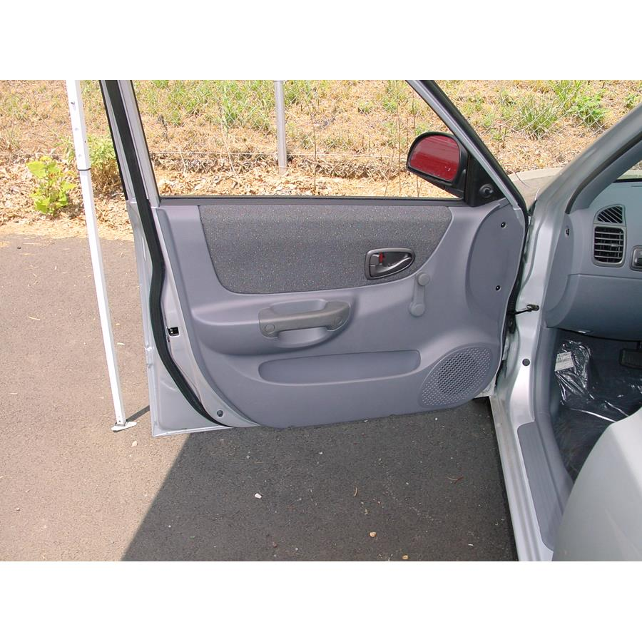 2005 Hyundai Accent Front door speaker location