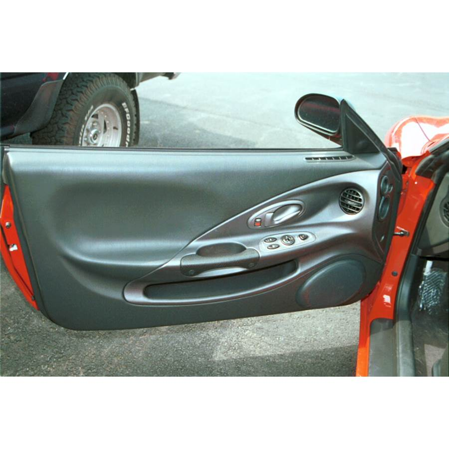 2000 Hyundai Tiburon Front door speaker location