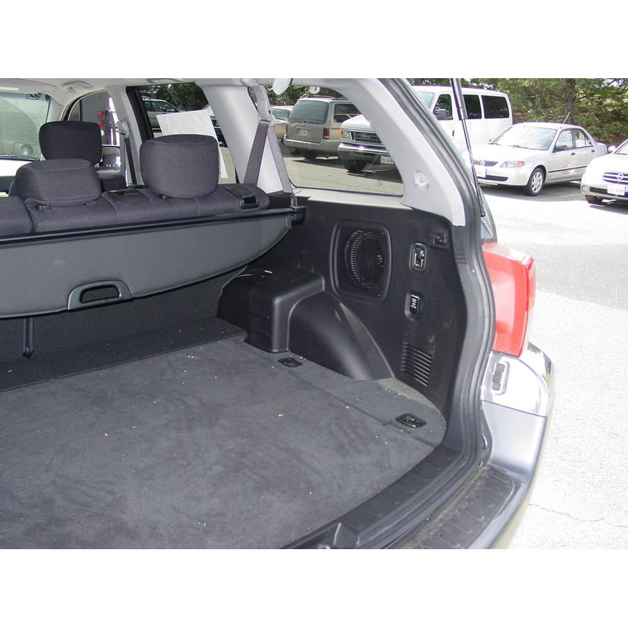 2008 Mitsubishi Endeavor Far-rear side speaker location