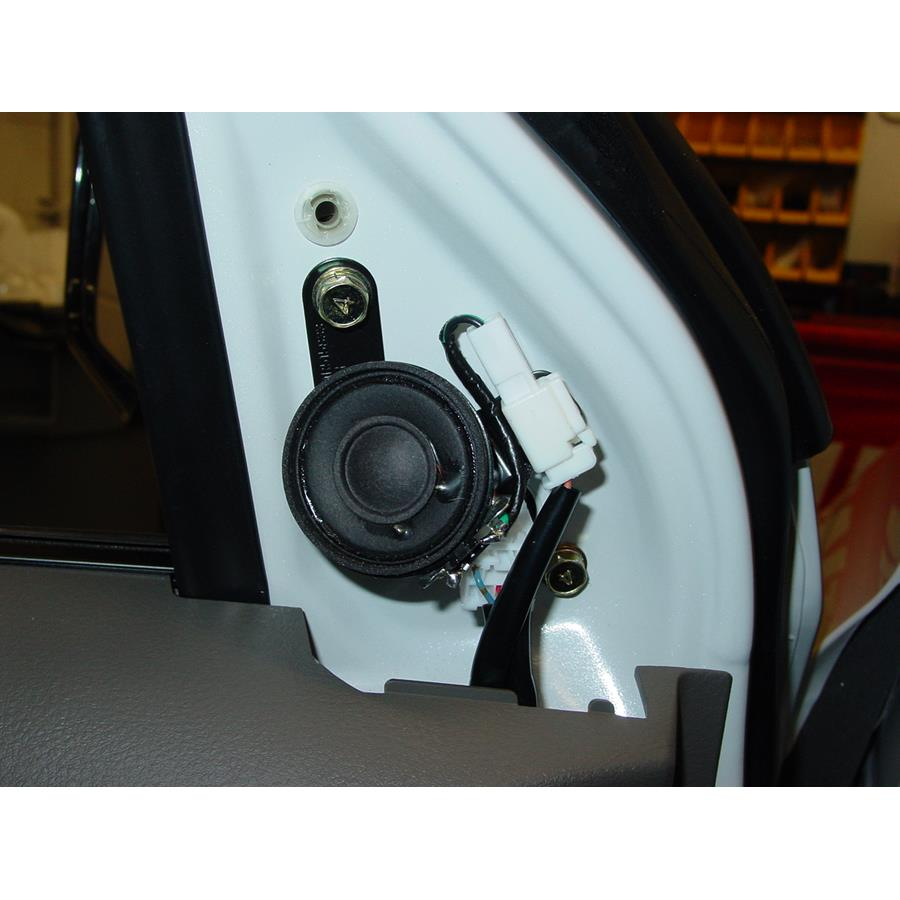 2005 Mitsubishi Outlander Front door tweeter