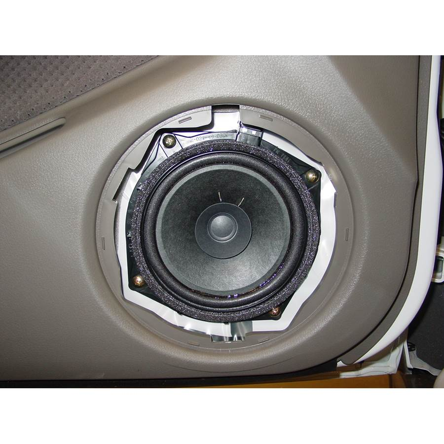 2005 Mitsubishi Outlander Front door woofer
