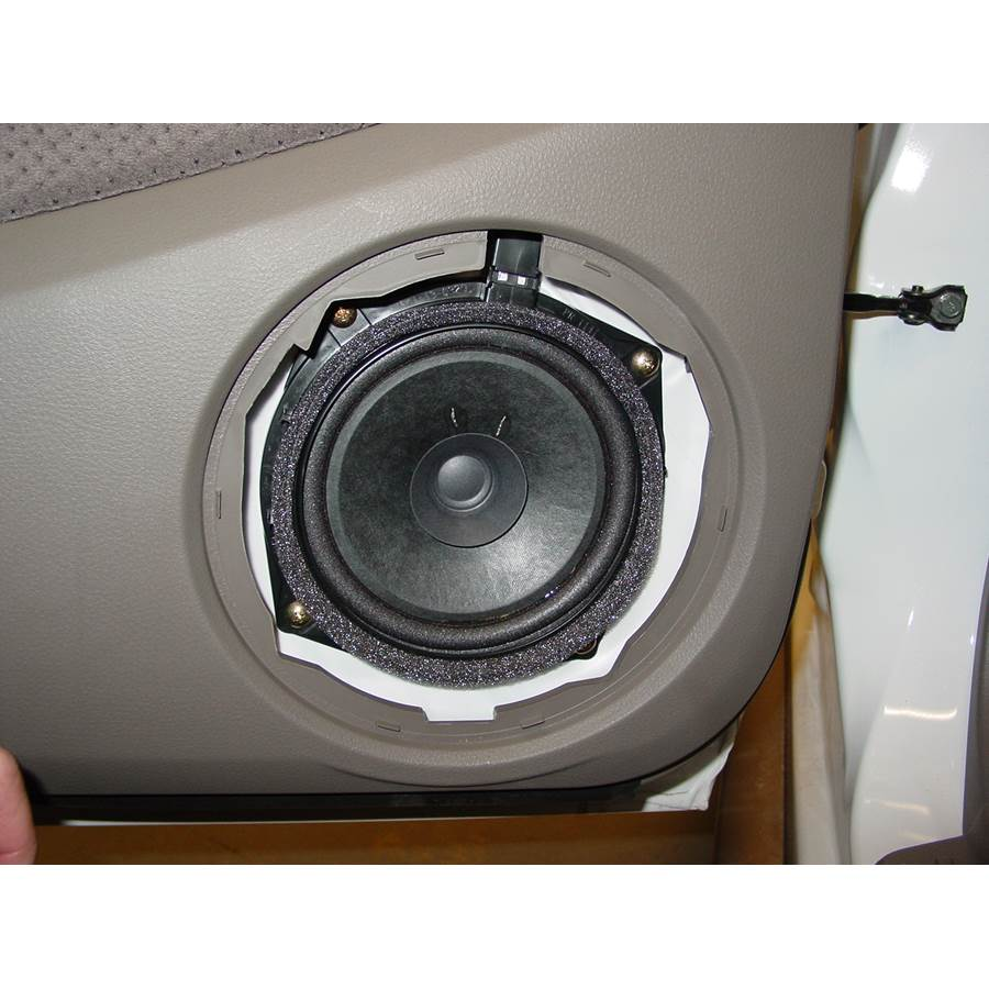 2005 Mitsubishi Outlander Rear door speaker